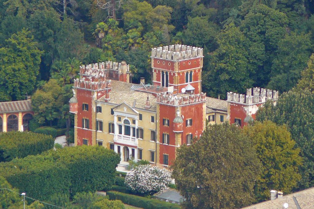 Villa Albertini on LakeApp