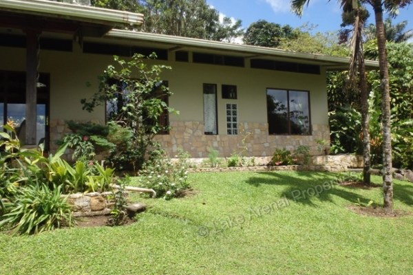 Furnished Lake View Home w/Access to Lake Swimming