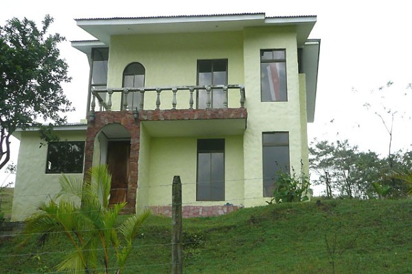 Interesting Home with Views of Volcano Arenal and Lake Arenal