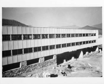 studies_building_construction_exterior_nearing_completion_black_mountain_college_19401941