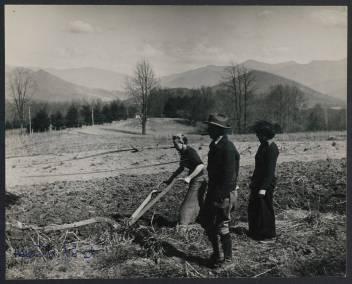 woman_plows_a_field_at_black_mountain_college