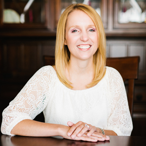 Past presenter for Lakefly Writers Conference located in the Fox Cities, Oshkosh, Wisconsin: Andrea Lochen