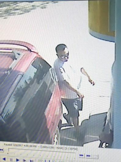 Theft Gas Cst Parisien pic 1