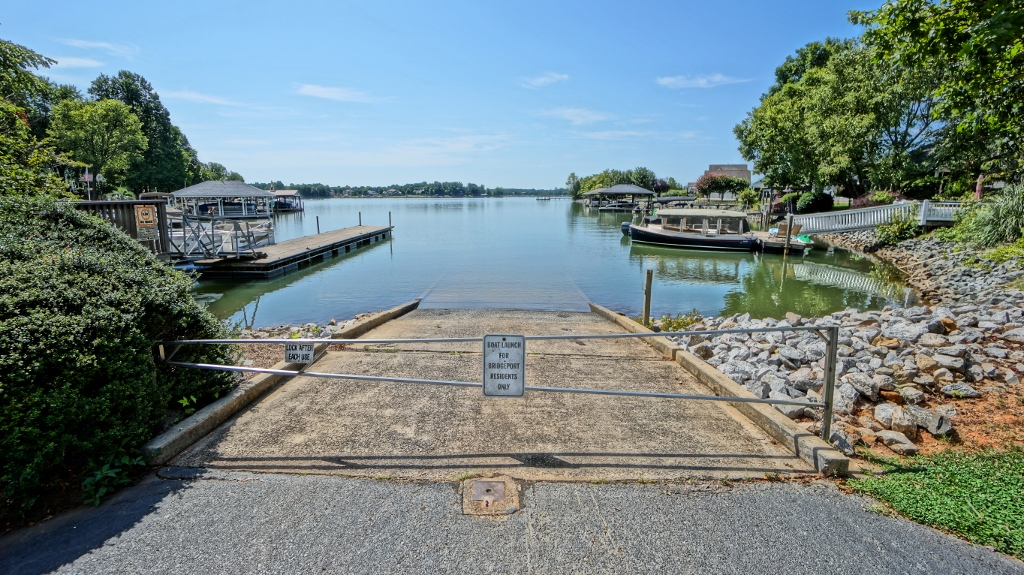 Bridgeport Lake Access Boat Ramp