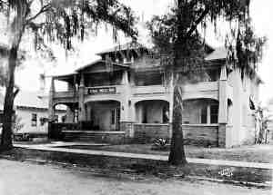 Legend has it that President Calvin Coolidge ate lunch at the Gray Moss Inn in Dade City, but no documentation can be found to verify that claim (Courtesy of Helen Eck Sparkman Collection)