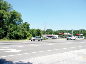 State Road 52 and U.S. 41 intersect at a historical crossroads, known as Gowers Corner. Developers are eyeing vacant land at the southwest corner for shops, offices, restaurants and some residential units. (Kathy Steele/Staff Photo)