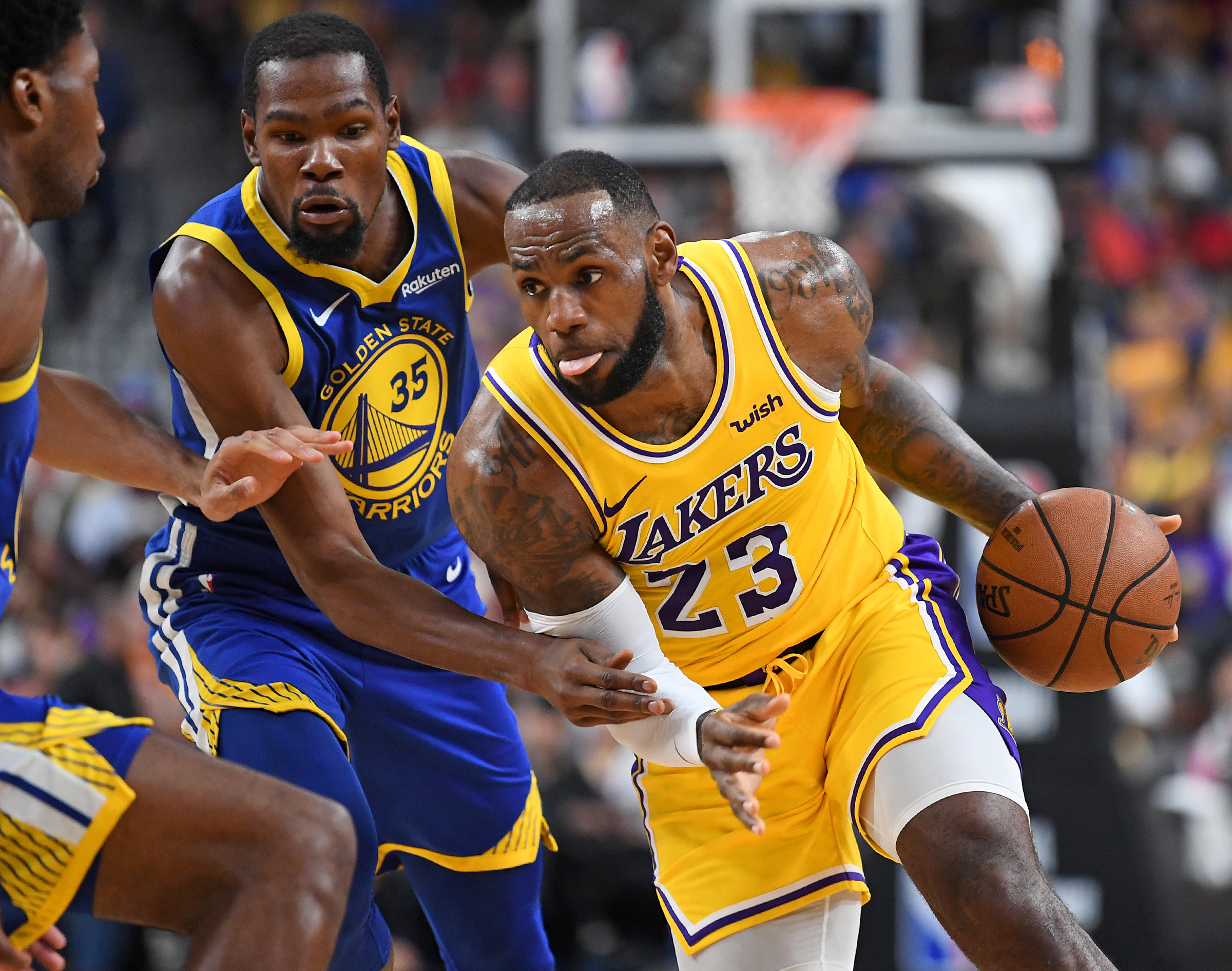 a5c576e6acd Kevin Durant  Media Environment Around LeBron is