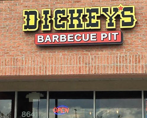 Exploring Columbus: Dickey's Barbecue Pit