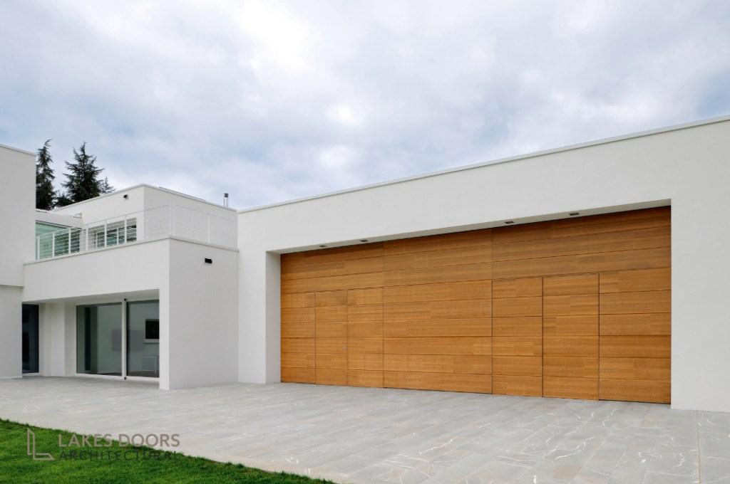 Silvelox flush garage doors
