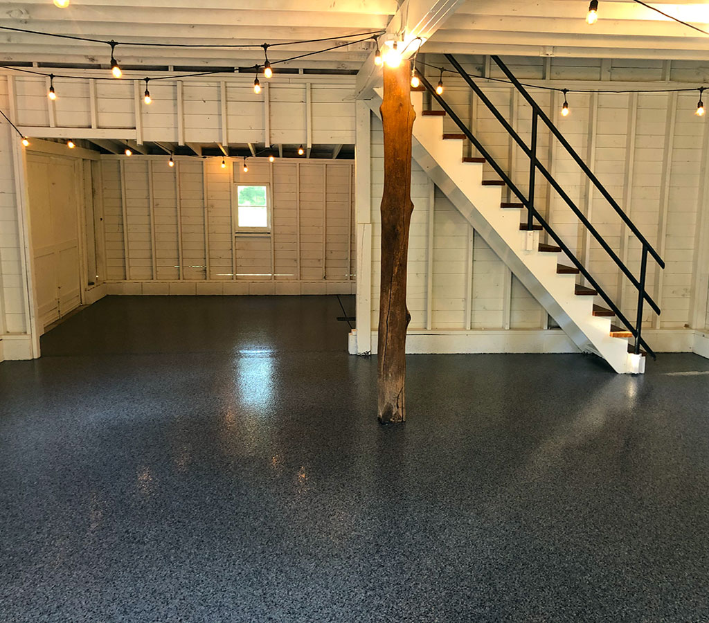 garage black floor