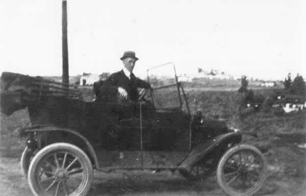Rev. O. M. Temple in his 1912 Ford Model 'T' c.1913