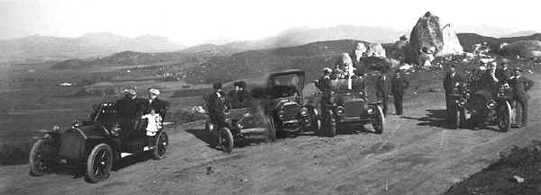 William Gross, seated in the car at the far right, on a visit to Grossmont with Fred Jackson in 1909.