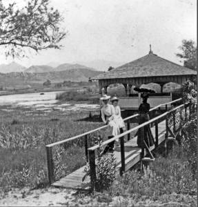 The Lakeside Boathouse - 1890 - Lakeside Hotel Boathouse