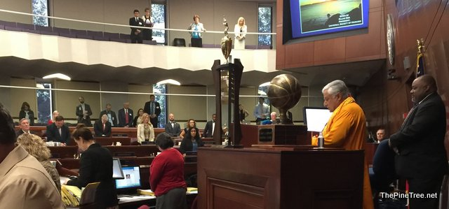 Nevada Assembly Starts Day With Hindu Mantras