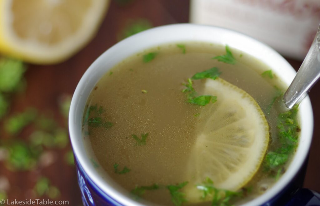 Bone Broth Recipe - Full of antioxidants and collagen protein! Perfect for cold winter days | www.Lakesidetable.com