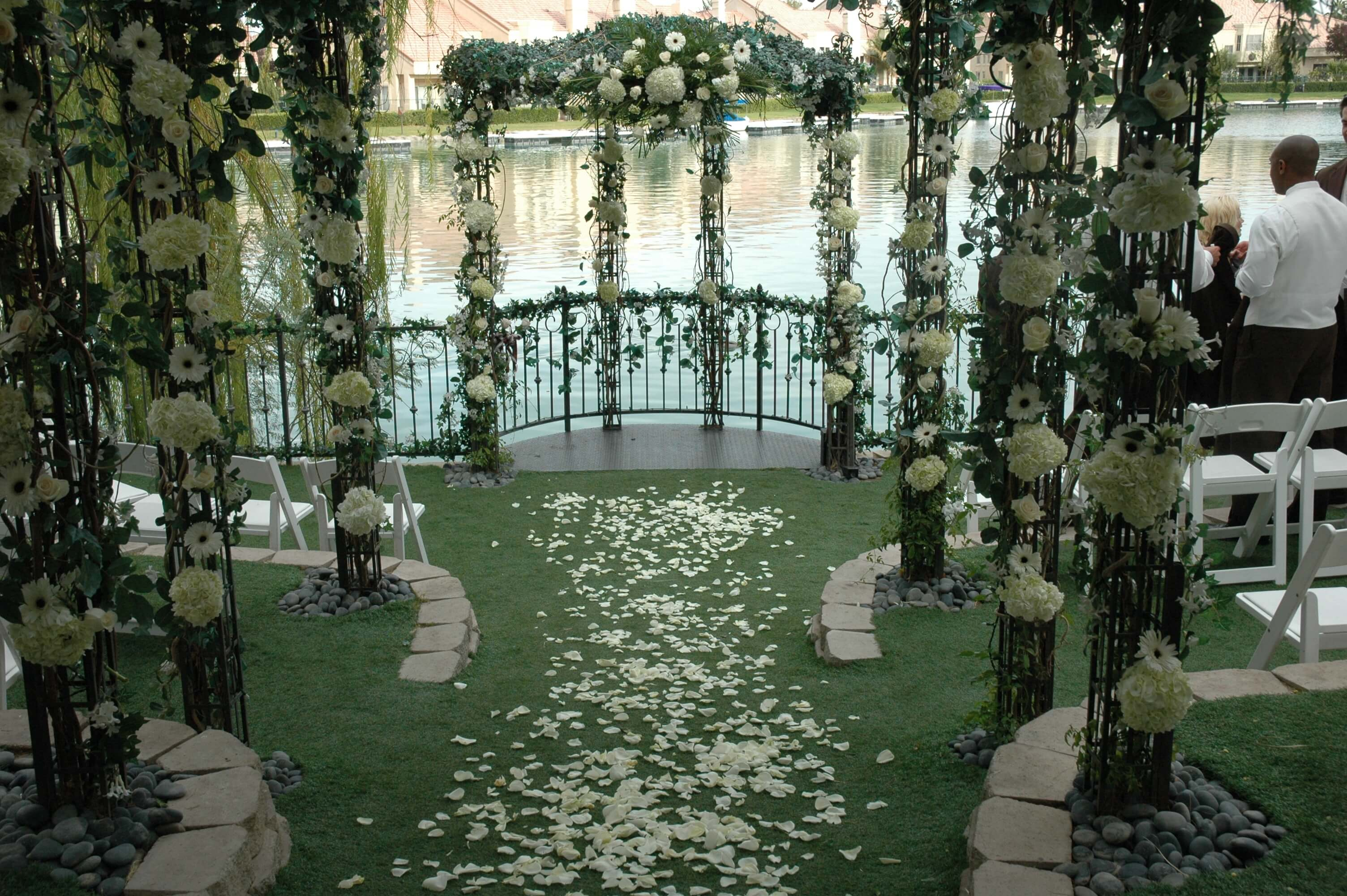 Heritage Garden Captivating Ceremony Package Lakeside