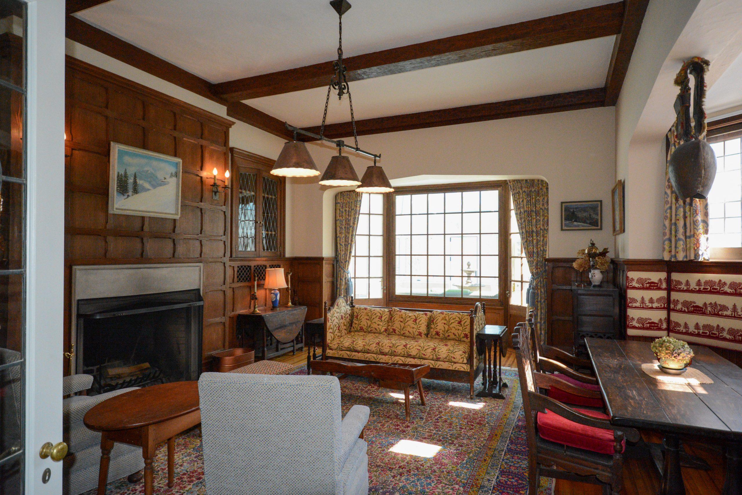 Harris Swiss Room