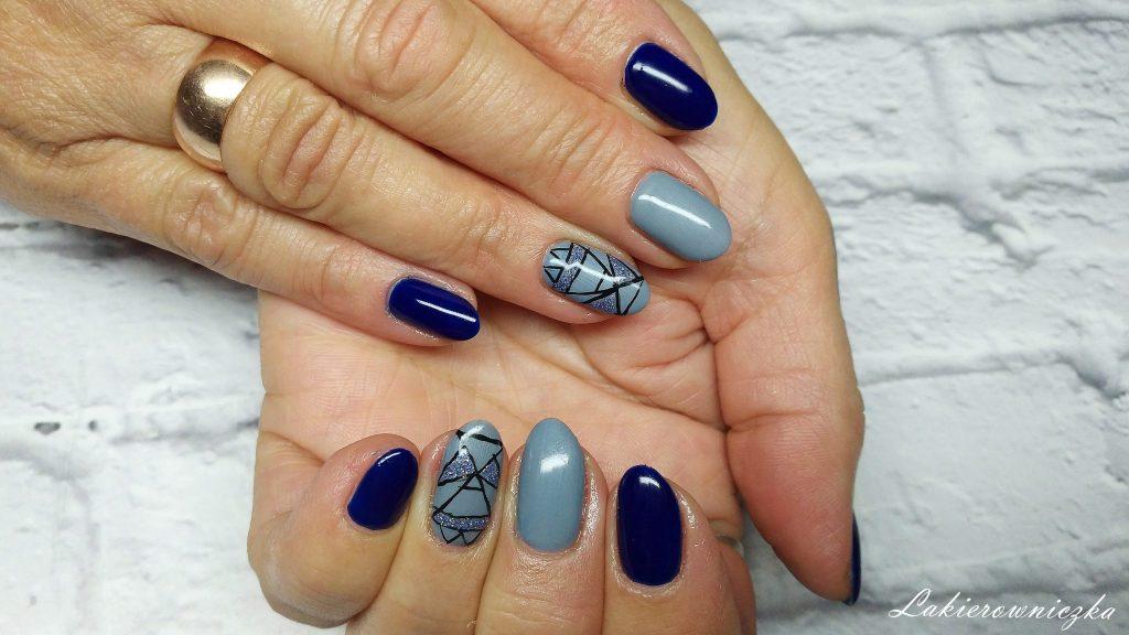 szare-granatowe-paznokcie-hybrydowe-azteckie-zdobienie-w-szarosciach-wzór-holo-Provocater-Lakierowniczka-recznie-malowane-hybrydy