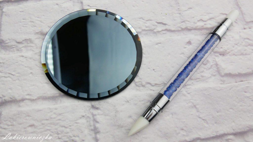 zakupy-z-NCLA-i-Born-Pretty-nowosci-pylki-chrome-flakies-mirror-effect-kopytko-sylikonowe-plytka-holo-folia-awards-season-stuck-on-the-405