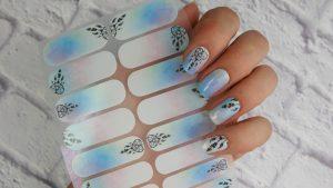jak-przykleic-Manirouge-naklejki-termiczne-projktu-Lakierowniczki-Dream-jak-aplikowac-trwalosc-niezbedne-produkty-naklejki-mojego-projektu-lapacze-snow-blur-effect-naklejka-stickers