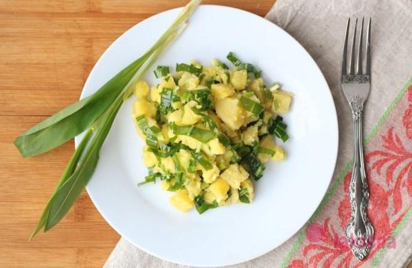 Салат из черемши и картофеля