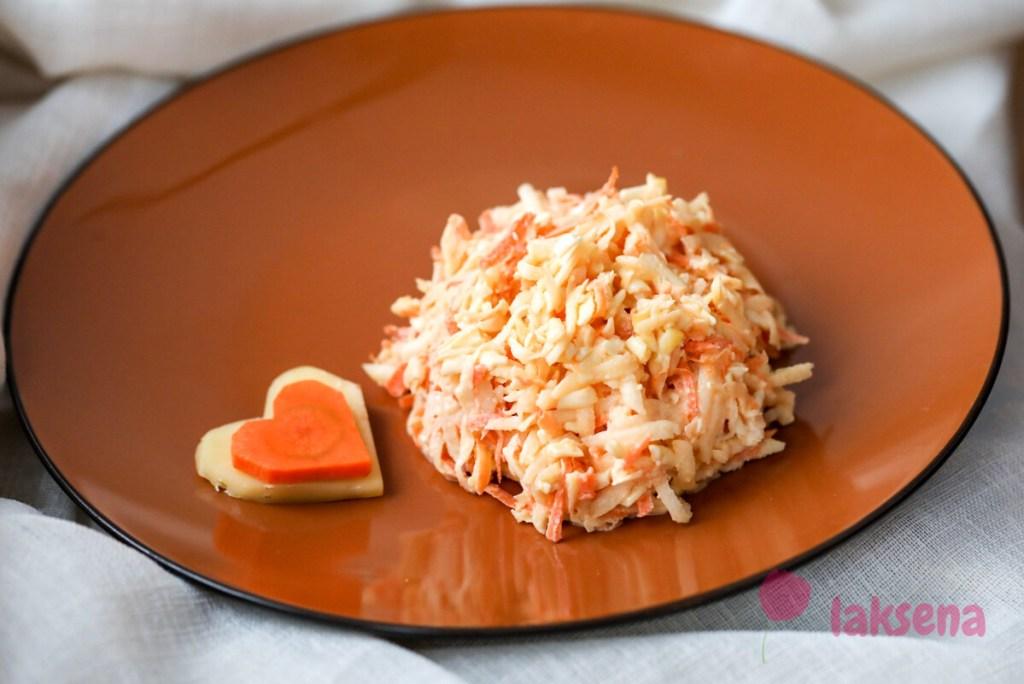 Салат с репой, морковью и сыром