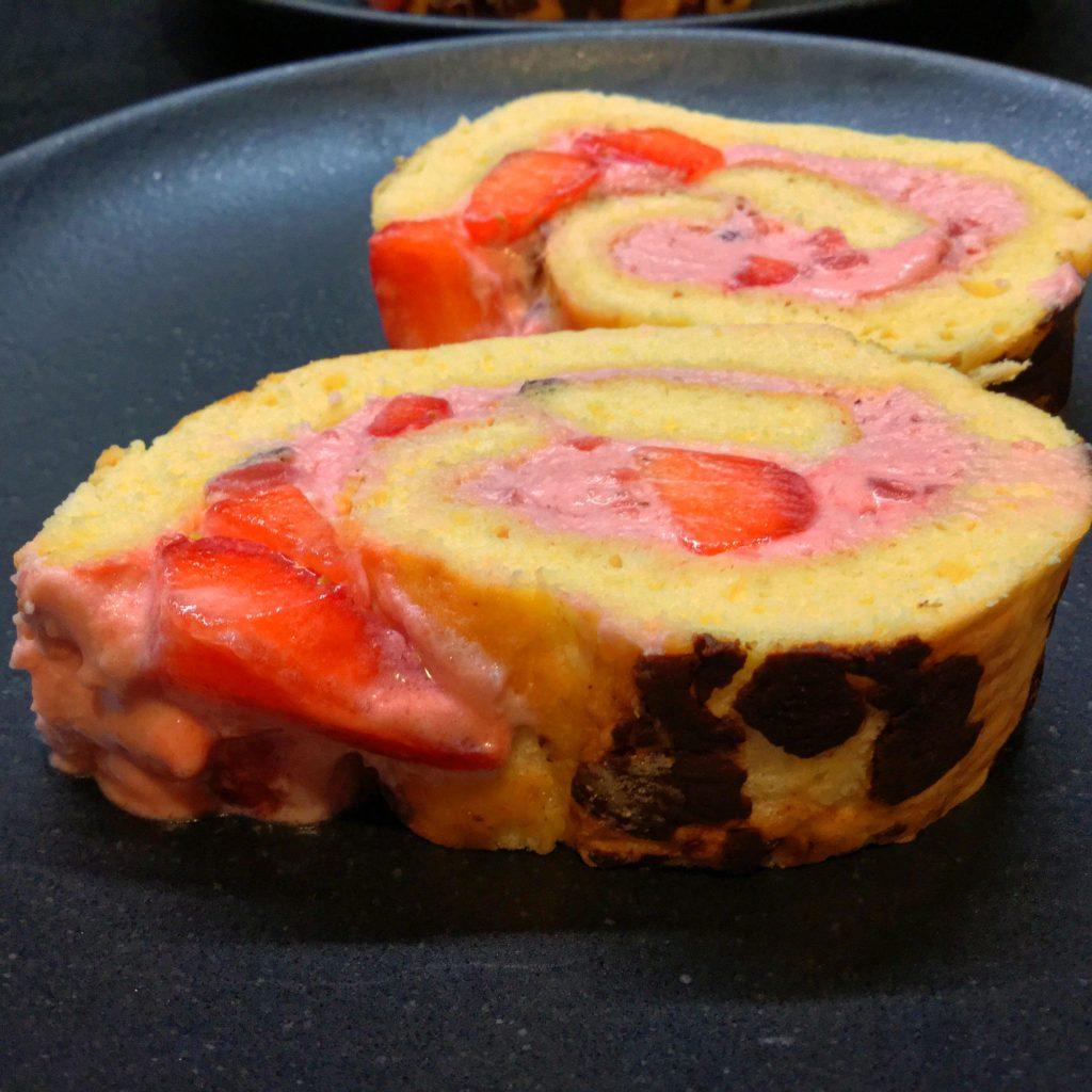 Erdbeer-Cremevega-Rolle-14