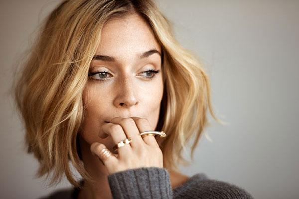 la la loving her hair