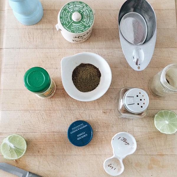 slow-cooker-tacos_lalalovelyblog