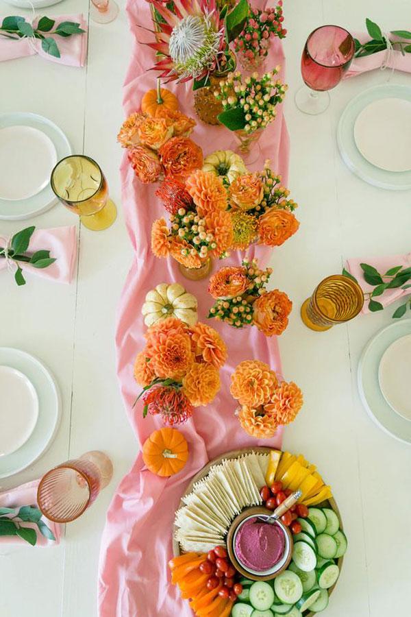 La La Loving | Colorful Fall Tablescape