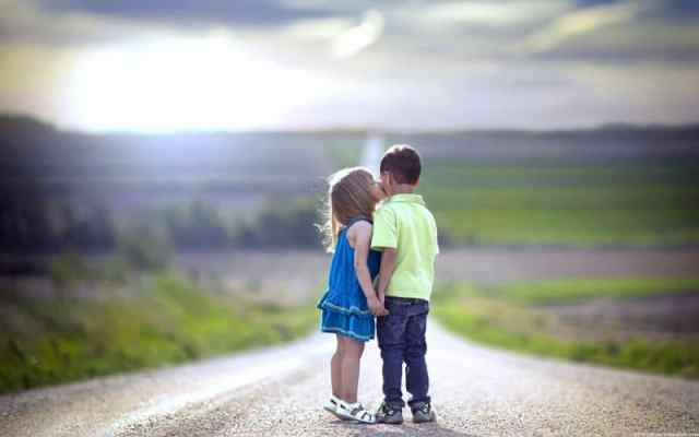 kids-kissing-picture4