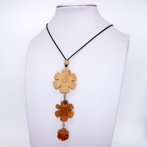 Collier Farandole de fleurs – 3 Bois