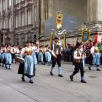 Trachten- und Schützenumzug, el desfile de los trajes regionales