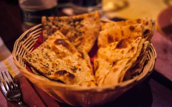 mughals brought the recipe of naan to indian kitchens