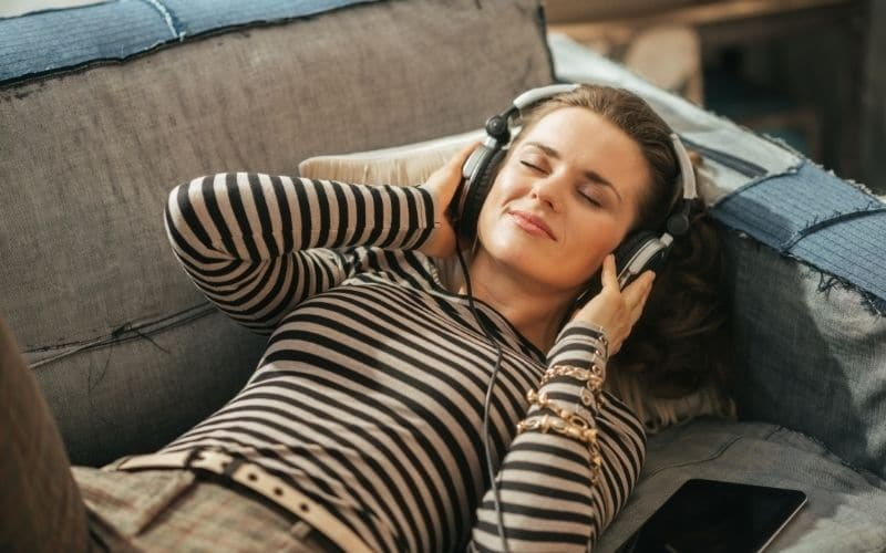 home office listen music