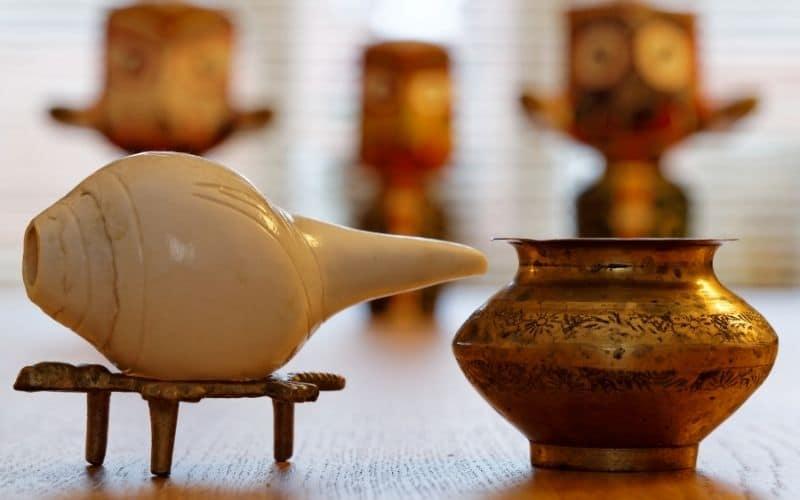 concha brass pot