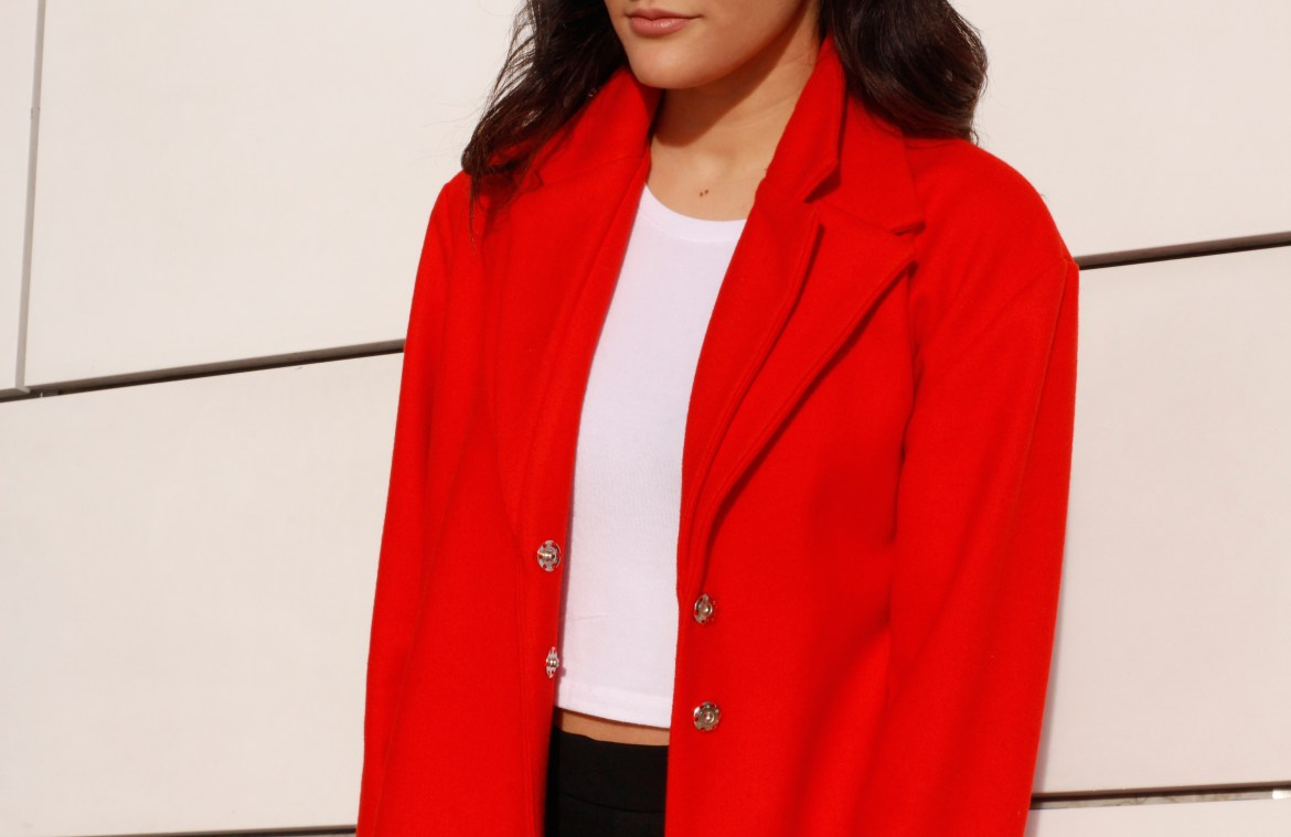 Red coat - lallasmind Belgian Blogger