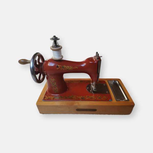 Machine à coudre jouet