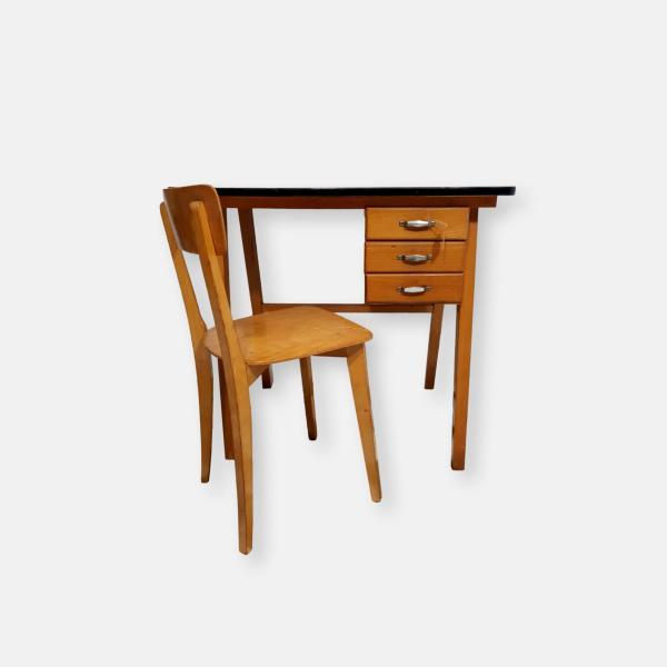 bureau et chaise pour enfant