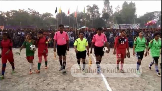 নওগাঁর মান্দায় মহিলা প্রীতি ফুটবল ম্যাচ অনুষ্ঠিত