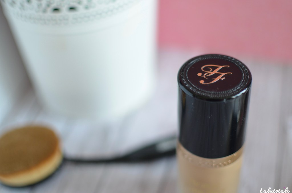 Fond de teint visage couvrant Born This Way Too Faced