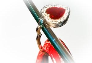Laluux taskeholdere i hjerteform med dobbelt krystaler