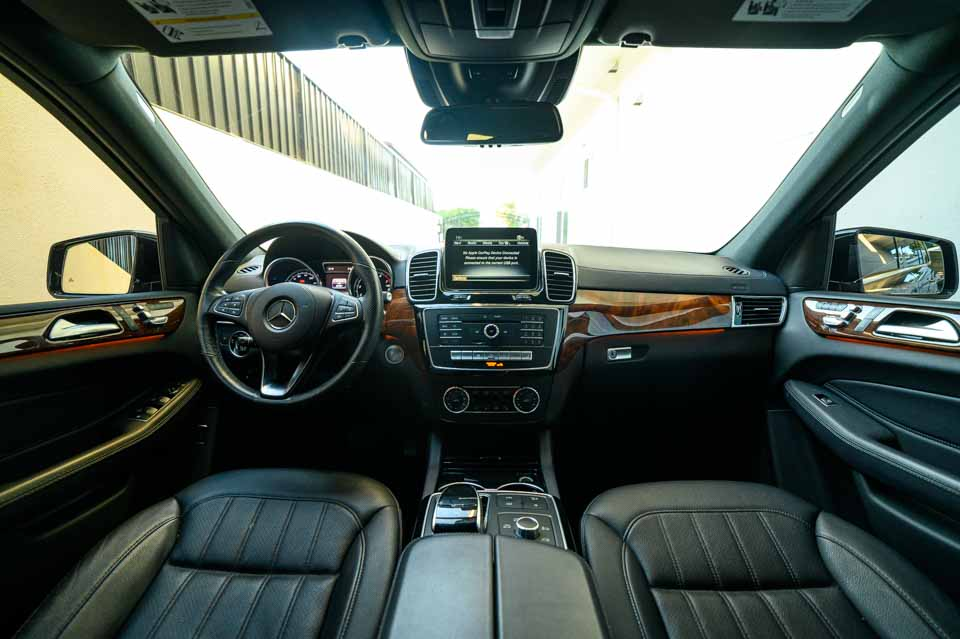 2019-Mercedes-GLS-450-7382