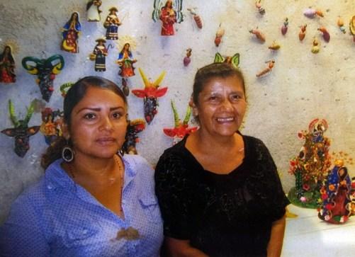 Concepcion Aguilar Alcántara with her grand daughter