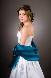 robe-de-mariee-corset-boheme-jupe-plisse-etole-bleu