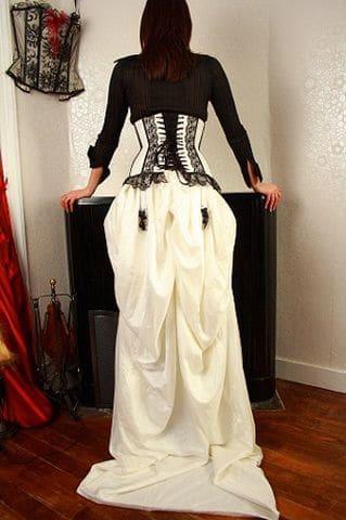 Robe de mariée Brest serre taille cuir blanc dentelle noire
