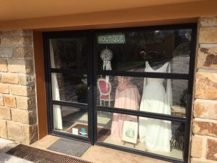 atelier-confection-Brest-vitrine