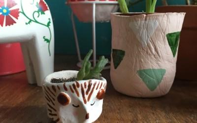 Le petit pot Hérisson en céramique sans cuisson