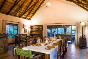 Phuti Lodge - dining