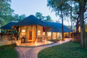 Phuti Lodge - outside1